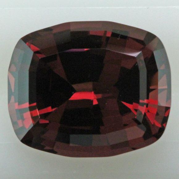 I-24749 5.49 Umba Garnet