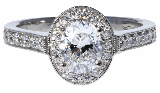 18kw Oval Diamond Ring