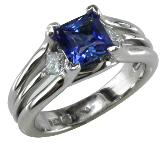 Platinum Blue Sapphire Naked Diamonds Ring