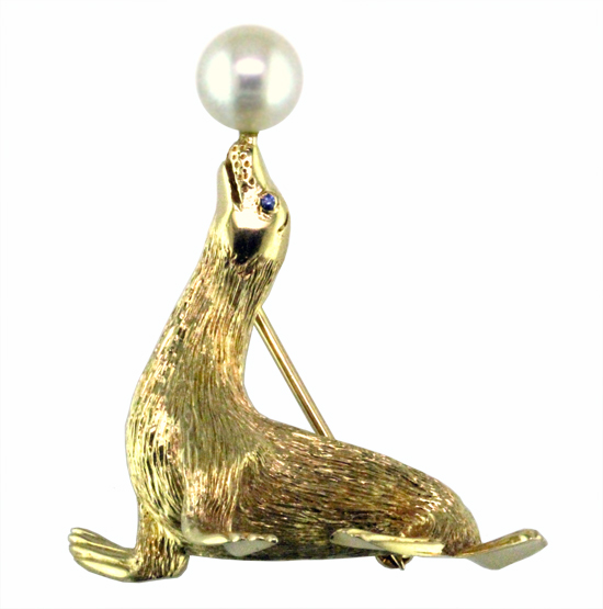 Sea Lion Pin with Pearl Ball